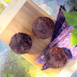 Chocolate Zucchini Muffins | www.jenniferdyck.com