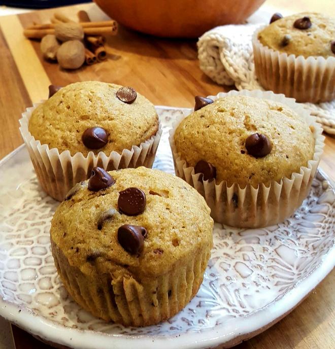 Pumpkin Chocolate Chip Muffins | www.jenniferdyck.com